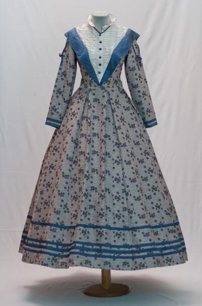 Сукня жіноча, кінець 19 століття